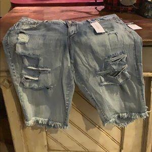 Size 16 Bermuda NWT shorts rue 21